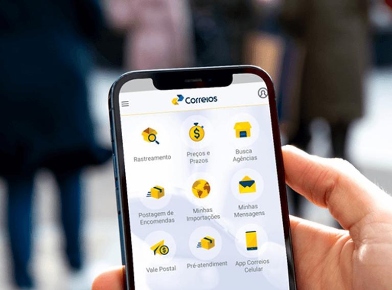 Tela de smartphone com o app dos Correios