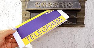 Telegrama sendo deixado na caixa de correio